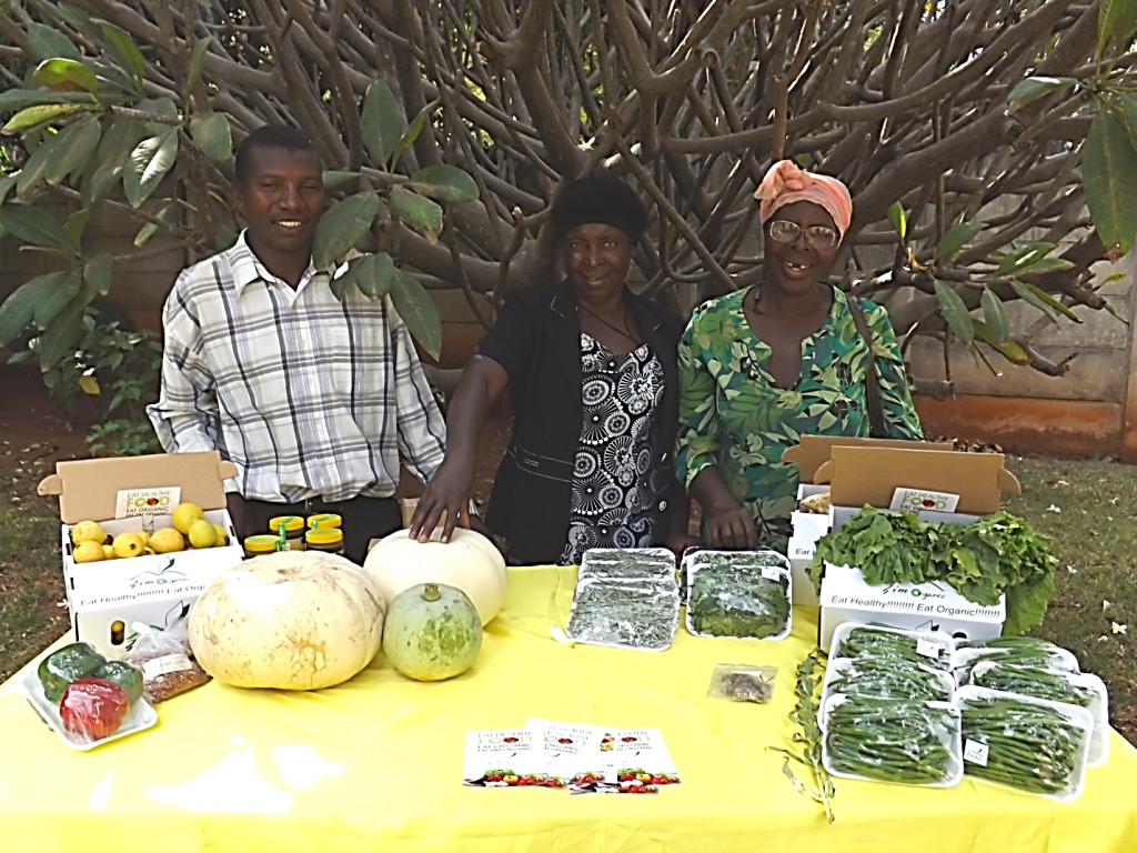 Figure 3. Farmers present their organically produced vegetables for sale; © G. McAllister