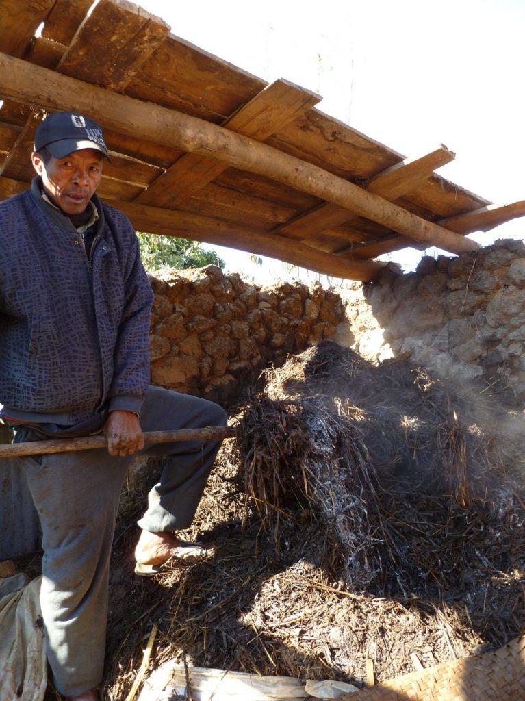 Figure 3. A farmer prepares high quality manure; © Paulo Salgado